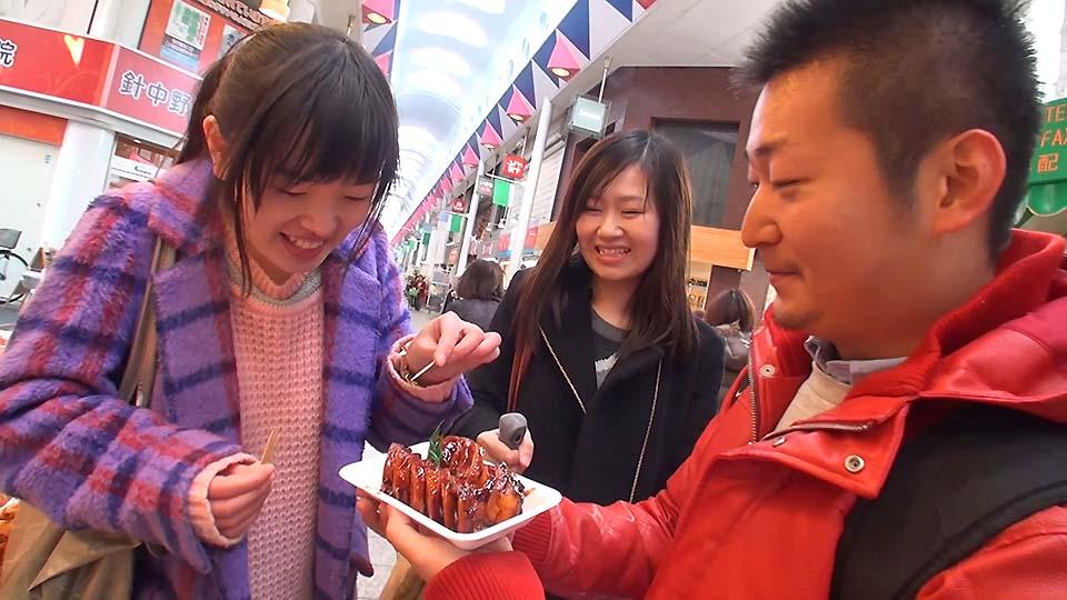 いま外国人観光客が注目!日本の食生活が詰まった「商店街」の魅力