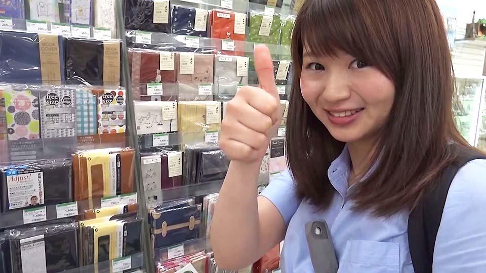 日本独特のブックカバー文化に外国人が驚き!